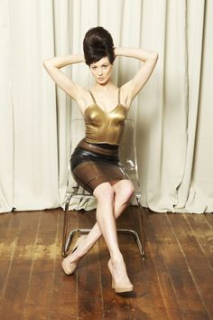 Maz in 50's latex bra and strata skirt