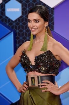 Deepika Padukone Photos Photos - Deepika Padukone attends the MTV Europe Music Awards 2016 on November 6, 2016 in Rotterdam, Netherlands. - MTV EMA's 2016 - Red Carpet Arrivals