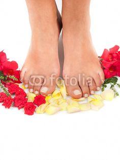Piedi tra le rose