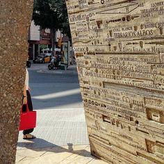 Bajo La Pinza de #Subirachs en #santaeulalia #hospitalet #Barcelona #catalunya #españa #summer #estiu  #escultura #sculpture #shadow #discover_catalonia #bcn