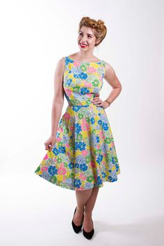 Vintage Early 1960s Dress Bright Floral Cotton by stutterinmama