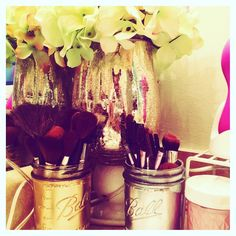 Before I get myself together to meal prep I have to show off my project. I love doing creative things. My sister Nikki gave me this vase for Christmas. I did a little flower arrangement. I spray painted a few Mason jars. Voila!!!! A new addition to my bathroom. I believe ever space should bring you joy. Are their spaces in your home that bring you joy and positivity?