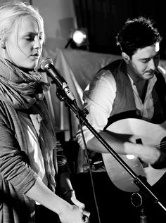 Awwww Laura and Marcus:) Music Love, Art Music, Music Is Life, Music Artists, Good Music, Laura Marling, Marcus Mumford, Music Express, Les Miserables