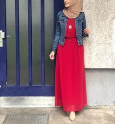 Hijab Neue Mode Hijab Outfits Casual Muslim Ideen The History of Necklaces Archeologists believe Modern Hijab Fashion, Hijab Fashion Inspiration, Islamic Fashion, Abaya Fashion, Muslim Fashion, Modest Fashion, Dress Fashion, Fashion Fashion, Fashion Outfits