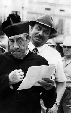 """Fernandel et Gino Cervi from """"don camillo"""" by italian writer Giovanni guareschi Cinema Movies, Cult Movies, Film Movie, Black And White Picture Wall, Black And White Pictures, Famous Pictures, Old Pictures, Photo Star, Art"""