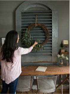 Love the old shutter and the wreath!