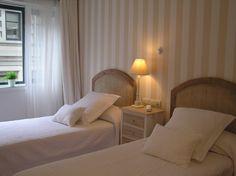 Twin room. Habitación doble 2 camas. #Hotel Central #Gijon #Asturias #Spain www.hotelcentralasturias.com