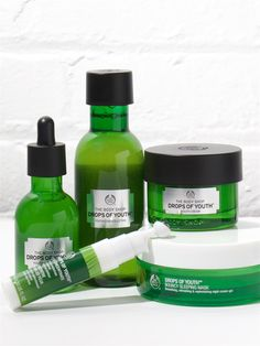 Looking for readers to test out The Body Shop Drops of Youth—better skin in 28 days, guaranteed! #giveaway #skincare