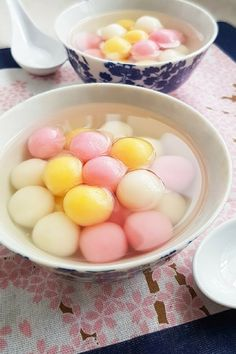 Dongzhi festival (冬至) or the Winter Solstice celebration is one of the most important festivals for the Chinese and other East Asians. Traditionally, glutinous rice balls known as tang yuan (汤圆) is eaten on this day as the small, round dumplings symbolize reunion and harmony. They are also served during the Lantern Festival (元宵節 yuán xiāo jié) which …