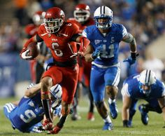 Dres Anderson runs away from BYU. (Trent Nelson     The Salt Lake Tribune)
