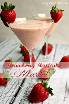 Strawberry Shortcake Martini by www.DelightfulEMade.com