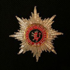 Der Hausorden vom goldenen Löwen war die höchste Auszeichnung der Landgrafschaft Hessen-Kassel, bzw. des Kurfürstentums Hessen und des Großherzogtums Hessen und bei Rhein.