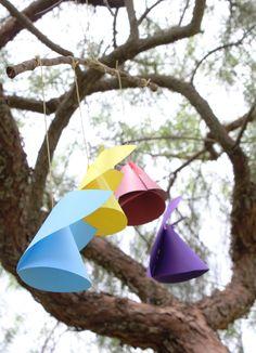 Festa Machê: Anjinhos de papel colorido / Móbile de anjos