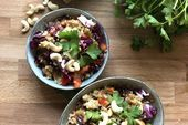 Thai Quinoa Salat aus dem Digitalen Reiskocher Quinoa Salat, Berry, Acai Bowl, Grains, Rice, Breakfast, Food, Cooking Rice, Lettuce Recipes