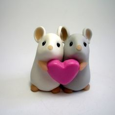 clay mouse couple.