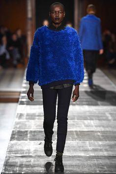 Julien David Fall 2015 Ready-to-Wear Collection Photos - Vogue Fashion Show, Mens Fashion, Fashion Design, Paris Fashion, Julien David, Vogue, Fall Winter 2015, Autumn, Parisian Style