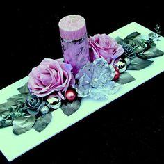 Vánoční svícen s pudrově růžovými růžemi