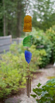 Sea Glass Crafts, Sea Glass Art, Stained Glass Art, Diy Wind Chimes, Glass Wind Chimes, Suncatchers, Glass Jewelry, Colored Glass, Outdoor