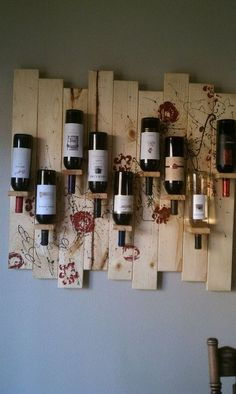 Wine RackRate this from 1 to Wine Rack 15 Amazing DIY Wine Rack Ideas Amazing DIY Wine Storage Ideas Easy Woodworking Projects Wine Rack Wall, Wood Wine Racks, Diy Wine Racks, Corner Wine Rack, Hanging Wine Rack, Pallet Furniture Wine Rack, Pallet Wine Rack Diy, Diy Pallet, Pallet Ideas