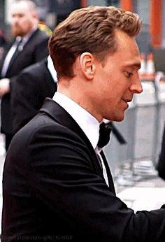 Tom Hiddleston gif  ahhhhhhhhhh