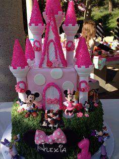 My princess' 1st Birthday cake | Minnie Mouse theme
