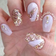 So awesome! These nails actually match a dress I pinned. Sparkly Nails, Bling Nails, Glitter Nails, Hot Nails, Uv Gel Nails, Bio Sculpture Nails, Baby Nails, Mermaid Nails, Nail Candy
