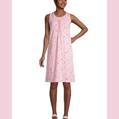 Trendy Shopping - Petite Summer Dresses Petite Summer Dresses, Casual Summer Dresses, Maxi Wrap Dress, Swing Dress, White Pleated Tennis Skirt, Petite T Shirts, Tie Front Dress, Express Dresses, Flare Dress