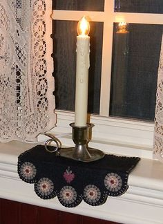 Heartstrings Penny Rug Candle Mat Chair Swag Windowsill Mat Pattern | eBay