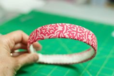 FREE Headband Instructions: How to make a no-sew, fabric-wrapped headband - Sew McCool