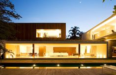 Flamboyants House in Brazil by Marcio Kogan