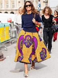Envie d'une ample jupe ethnique à porter avec un simple petit pull bleu marine...