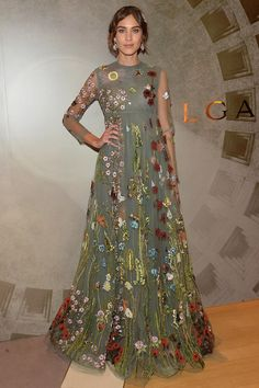#BazaarLoves @alexachung's gorgeous @MaisonValentino floral-embroidered gown http://uk.bazaar.com/1LlZK3n