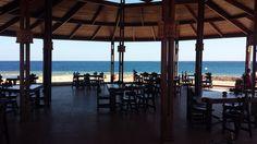 Uitzicht vanuit het buitenrestaurant in The Three Corners Equinox.