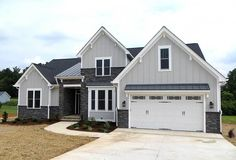 4 Bedroom Craftsman With Cathedral Ceiling - 42296DB - 02