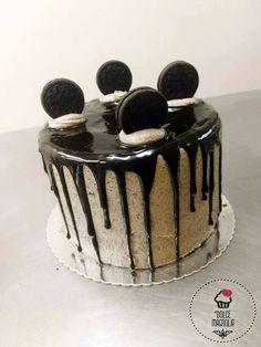 """Drip cake Oreo""    Dolce Magonlia"
