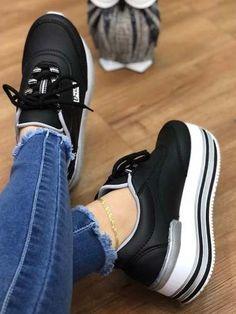 fdd064a4 Zapatos Deportivos Variado Para Damas Moda Colombiana - Bs. 88.000,00 en Mercado  Libre