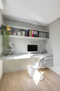 Small Home Office Ideas For Men & Women (Space Saving Layout) – adjective.uc… – Home office design layout Mesa Home Office, Home Office Space, Home Office Desks, Small Office, Office Table, Office Furniture, Furniture Ideas, Furniture Stores, Modern Office Decor