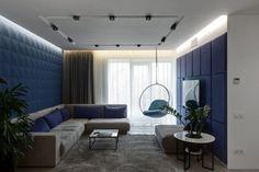 Letisztult, modern lakberendezés - kényelmet és nyugalmat sugárzó terek egy pár lakásában - fehér, fa, mikrocement, kék és zöld