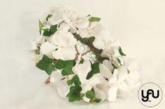 Buchet mireasa ORHIDEE | YaU BLOG Wedding Bouquets, Floral Wreath, Wreaths, Plants, Design, Home Decor, Floral Crown, Decoration Home, Wedding Brooch Bouquets