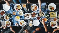 11 schöne Cafés und Restaurants am Wasser | Mit Vergnügen Berlin Cafe Restaurant, Restaurant Am Wasser, Table Settings, Restaurants, Jewish Recipes, Summer Garden, Treats, Grill Area, Nice Asses