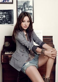 Lee Hyori's photoshoot for TOP GIRL 2011.