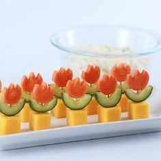 Made Super Mario World Fire Flower Appetizers with the homemade Spicy Veggie Dip! Cute Food, Good Food, Yummy Food, Party Buffet, Snacks Für Party, Food Decoration, Food Humor, Appetisers, Food Presentation
