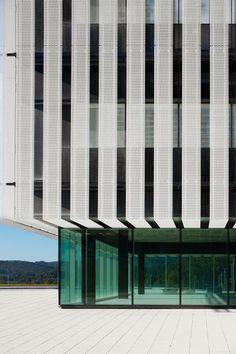 IMAR - Arquitectura & Metal // Architecture & Metal SEDE PARQUE CIENTÍFICO UPV/EHU Campus de Leioa  Material: Expanded Aluminium Architect: ACXT-IDOM (Gonzalo Carro)