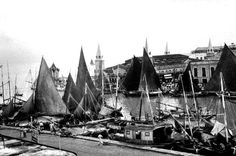 A hosts of sailboats in the port of Belém - 1957