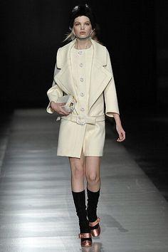 Prada - Runway RTW - Autumn Winter 2011 - Milan Fashion Week