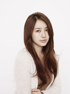 Yoon Eun Hye 尹恩惠 | Love her hair in this one! Not sure if she has extensions in, but I'd love to style my hair like this one day! I even adore the color!
