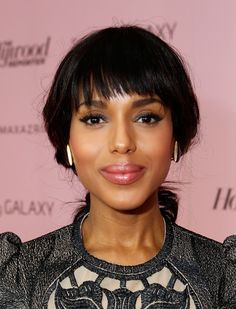 Kerry Washington's full lips look extra luscious thanks to pink lipgloss