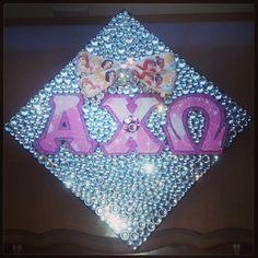 I feel like this was designed for me. Kappa Kappa Gamma, Zeta Tau Alpha, Alpha Chi Omega, Greek Letter Shirts, Greek Crafts, Cap Decorations, Grad Cap, Sorority, Pretty Little