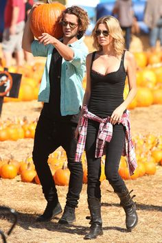 Brandi Glanville and Spencer Falls get cozy at pumpkin patch