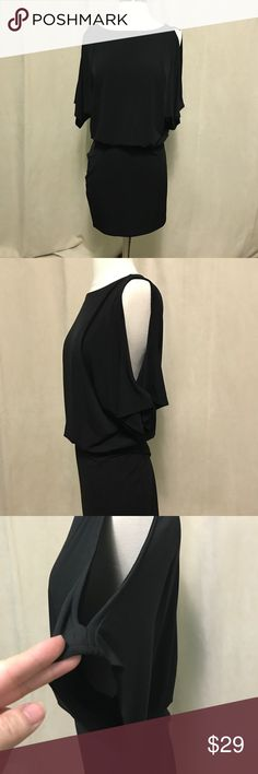 Moda Int'l brand keyhole sleeve dress. Like new. S Wore it once in Vegas to a bachelorette party a few years ago and it's been unused after that! Elastic waist and keyhole short sleeves. Moda International Dresses Midi